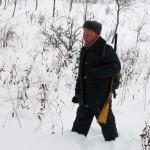 Охотник в лесополосе